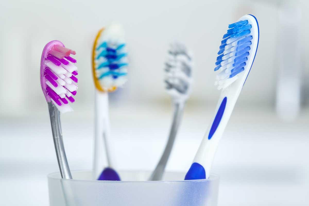 Diş Fırçası Seçimi Yapılırken Nelere Dikkat Edilmelidir?